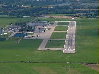 flugplatz augsburg regionalflughafen flughafen ultraleicht. Black Bedroom Furniture Sets. Home Design Ideas